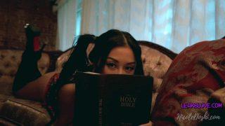 NicoleDoshi – Getting Horny During Bible Study